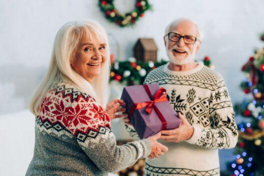Forældre med julegave